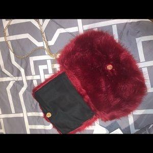 Wine faux fur bag